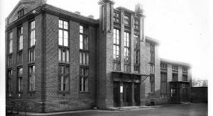 Eleganckie biura w zabytkowych murach szkoły Grohmana