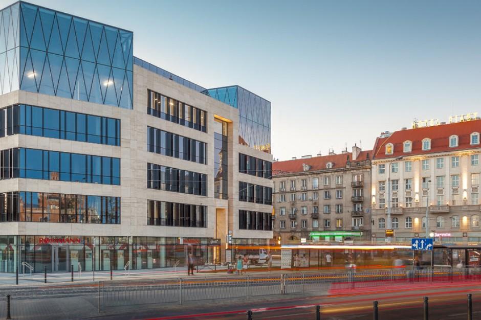 Wrocławski biurowiec skusił kolejnego najemcę