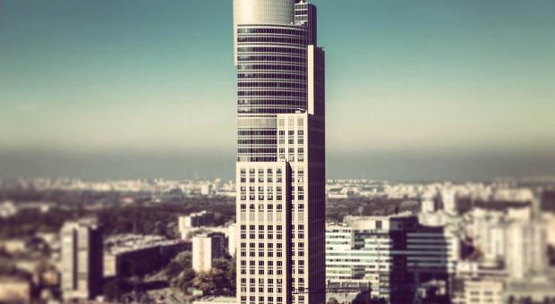 Warsaw Trade Tower trzyma fason