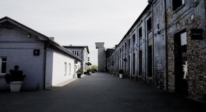 W dawnej Fabryce Porcelany kwitnie komercyjne życie
