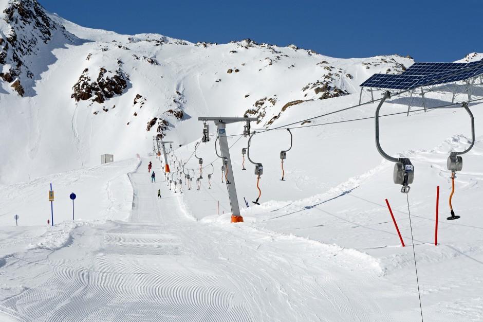 Mieszkańcy miast wybierają narty za granicą