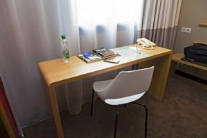 Hotel ibis Kraków Centrum pokazuje pokoje