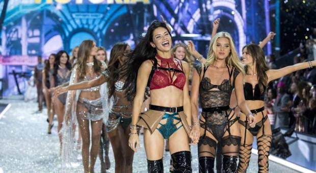 Drugi flagowy salon Victoria's Secret w blokach startowych