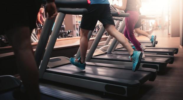 UOKiK przygląda się klubom fitness. Wszczęto postępowanie antymonopolowe przeciwko Benefitowi