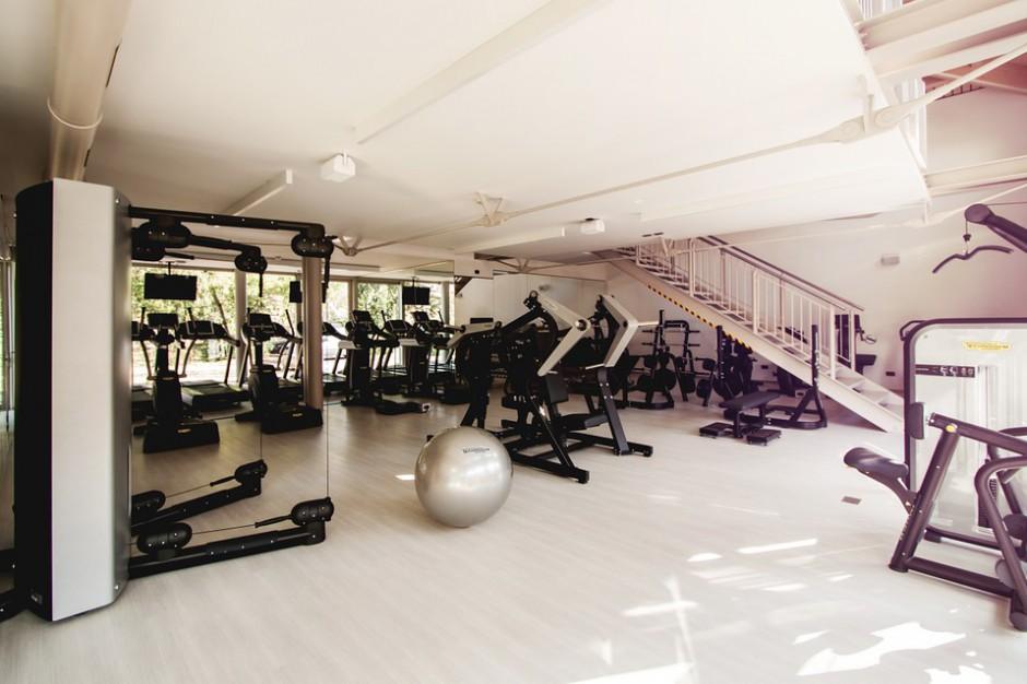 Zmowa na rynku fitness? UOKiK sprawdza, czy kluby stworzyły kartel, który podzielił rynek