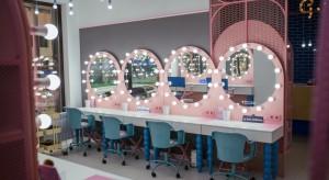 Nowa marka debiutuje w Polsce. Pierwszy salon - w biurowej strefie beauty