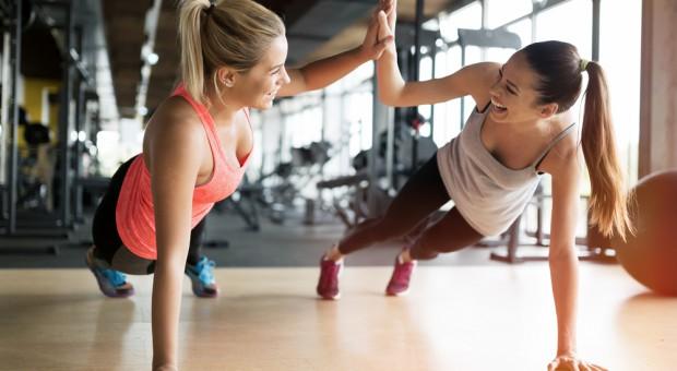 Agora chce wejść do klubów fitness