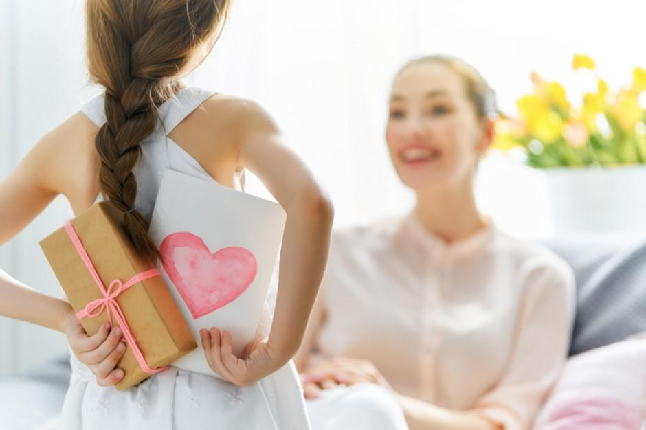 Dzień Matki: na prezenty wydamy przynajmniej 750 milionów złotych