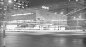 Neony zalśnią na Centrum Marszałkowska