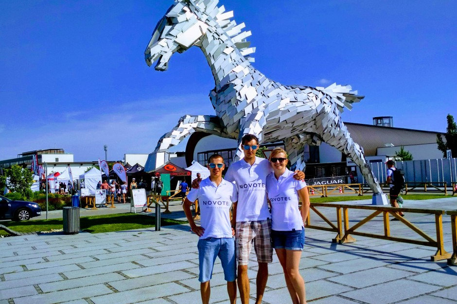 Triathlonowy zespół Novotel Poznań Team na podium