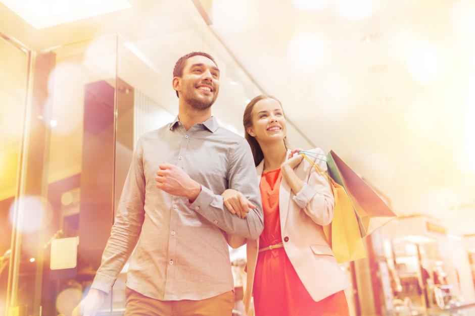 Polacy coraz bardziej zadowoleni z sytuacji materialnej i poziomu życia
