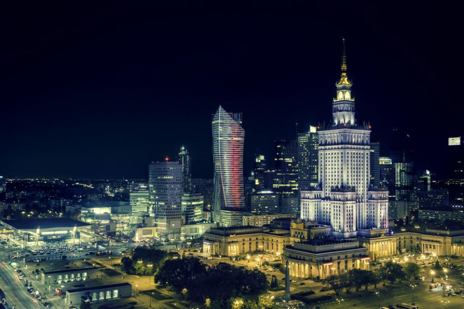 W Warszawie jest chodnik neutralizujący smog