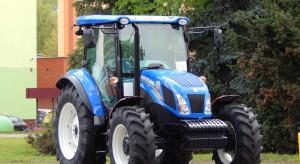 Wjechał do centrum handlowego Tesco... traktorem