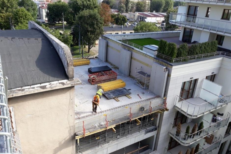 Tak rośnie nowy biurowiec przy stacji metra - Wola Retro