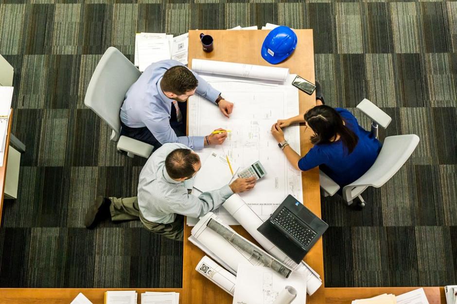 PARP o rynku pracy. 80 procent firm spodziewa się kłopotów w znalezieniu pracowników