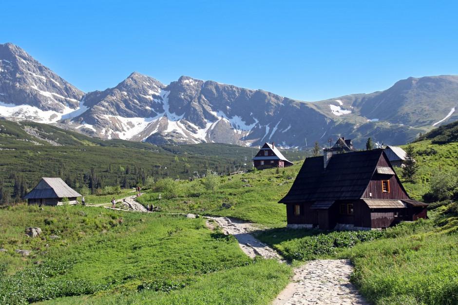 Jak powinna wyglądać inwestycja w górach? Urok drewnianych rezydencji