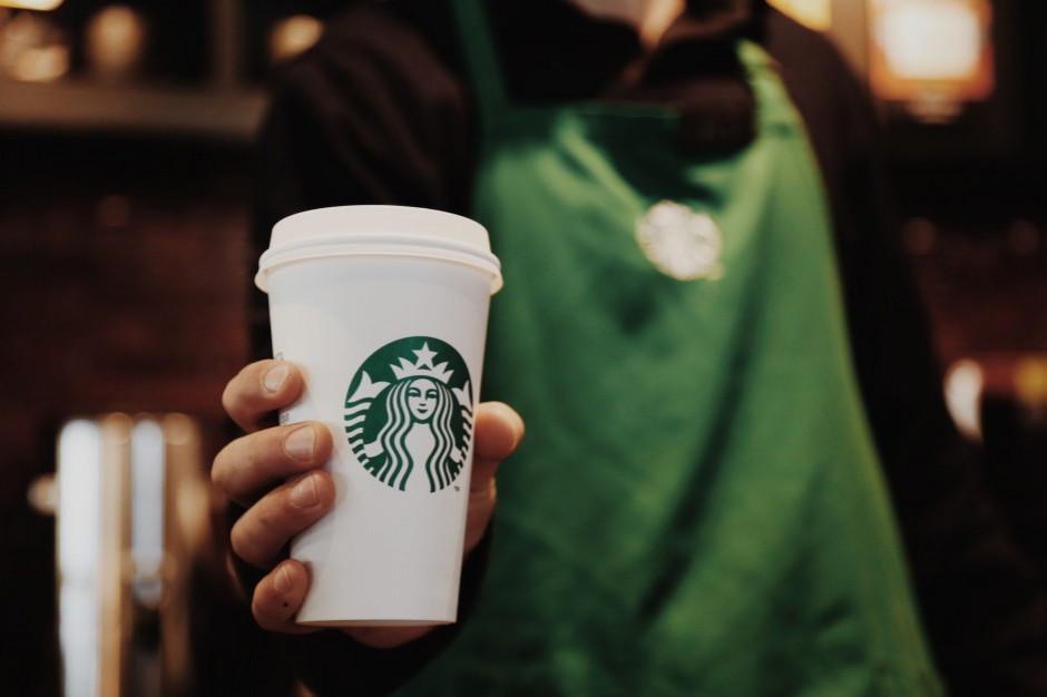 Starbucks lepiej od oczekiwań