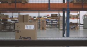 Jak działa Środkowoeuropejskie Centrum Dystrybucyjne Amway Supply Chain Services w Polsce? Zobacz film