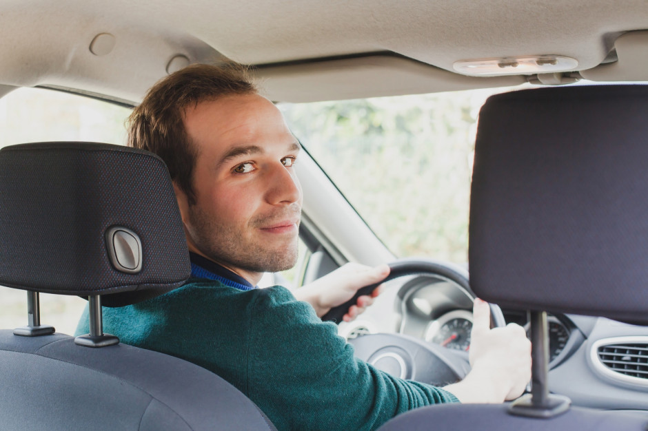 Wynajem długoterminowy samochodów – usługa odpowiednia dla każdej firmy?
