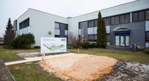 Nowa hala i biurowiec w Radomiu