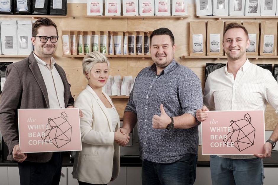 Białe Niedźwiedzie ruszają w Polskę. Nowa marka kawiarni stawia na franczyzę w średnich miastach
