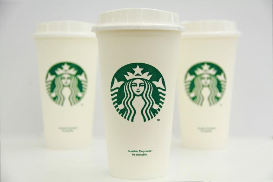 Starbucks coraz bardziej eko