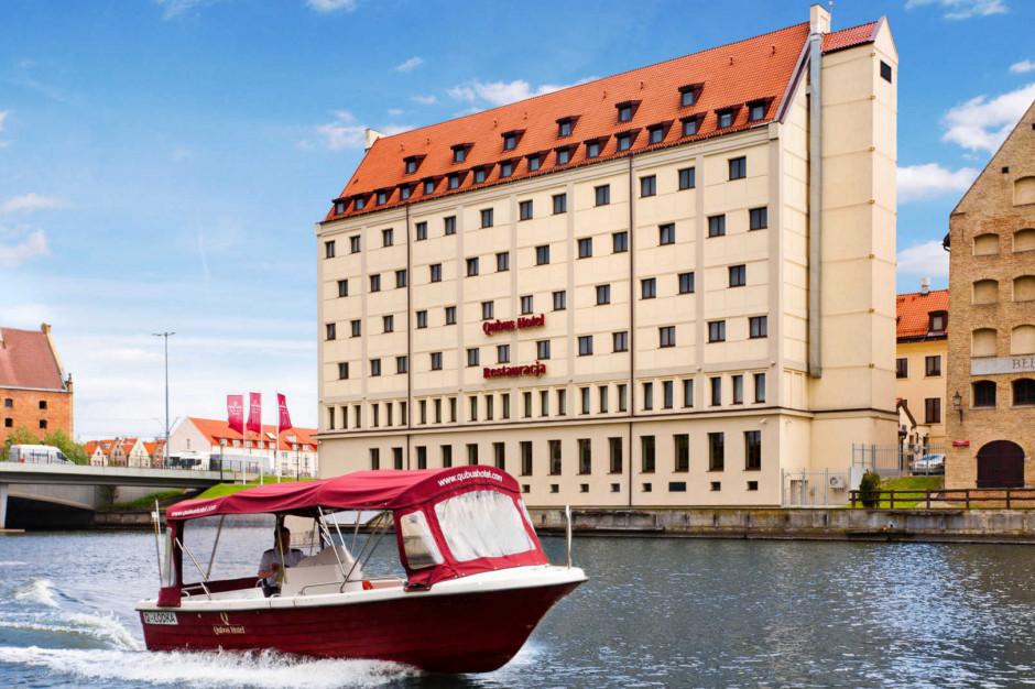 Qubus Hotel zabierze gości w rejs