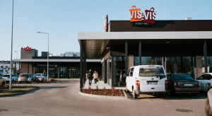 Więcej gastronomii i usług w Vis à Vis Wilanów