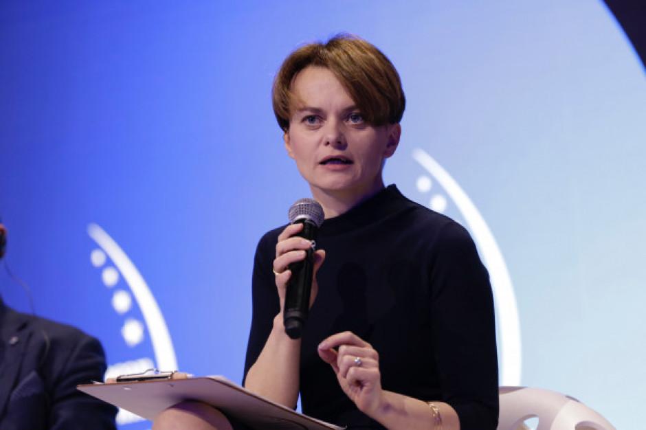Emilewicz obiecuje kolejne środki pomocowe