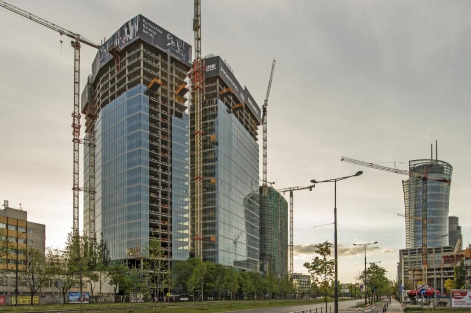 Zakończyły się prace nad kolejną wieżą The Warsaw HUB