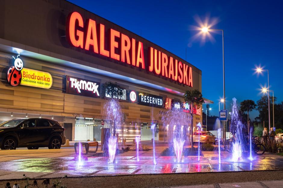 Dwucyfrowy wzrost liczby klientów na koncie Jurajskiej