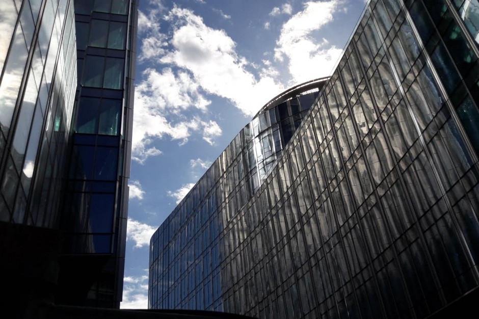 Warszawa goni londyńskie City, ale wciąż cierpi na deficyt biur