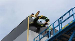Zawieszono wiechę na budynku Waimea Cargo Terminal Airport Szczecin-Goleniów