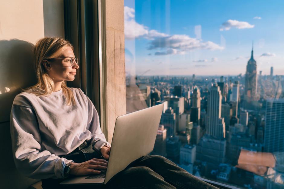 Czy praca nomada zrewolucjonizuje sektor biurowy?