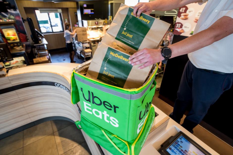 Uber mocno traci na pandemii mimo większego popytu na dostawy jedzenia
