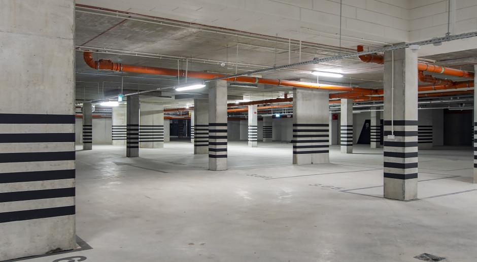 garaż,  mat. pras.