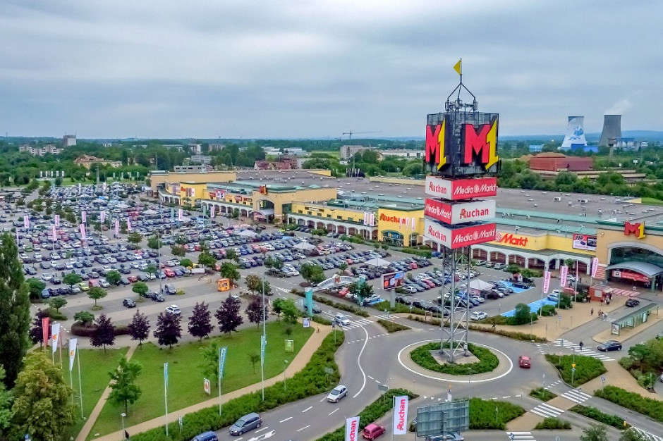 EPP kupuje cztery centra handlowe M1
