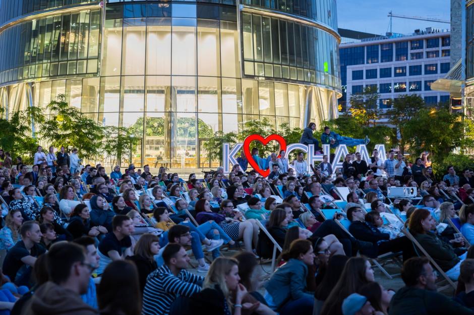 Letni festiwal filmowy na placu Europejskim