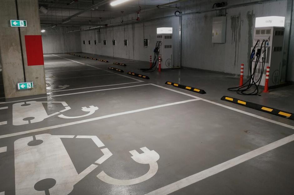W Galerii Młociny powstaje hub ładowania aut elektrycznych