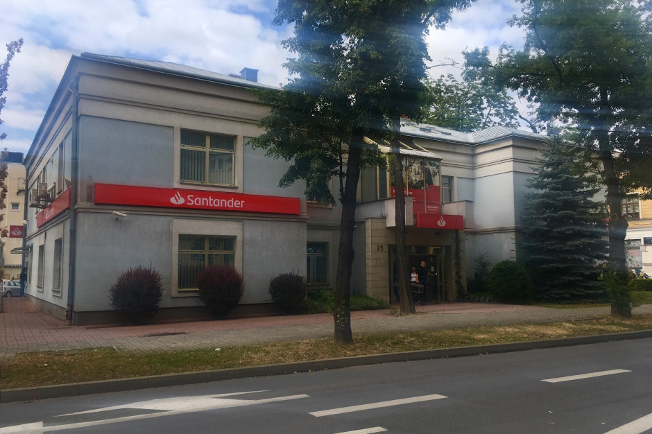 Santander zostaje w CH Max