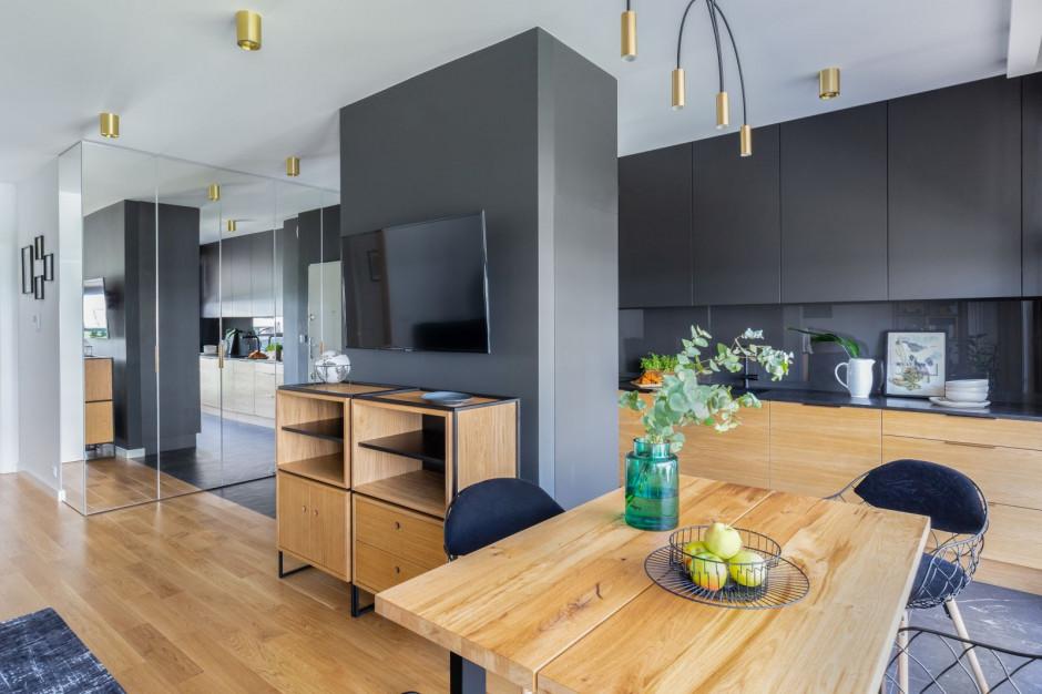 Tak urządzono apartament na wynajem krótkoterminowy na warszawskiej Woli