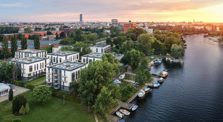 Aparthotel Miasto Marina we Wrocławiu: właściciele odbierają klucze do apartamentów