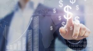 UKNF: Polacy wolą inwestować nadwyżki finansowe w nieruchomości