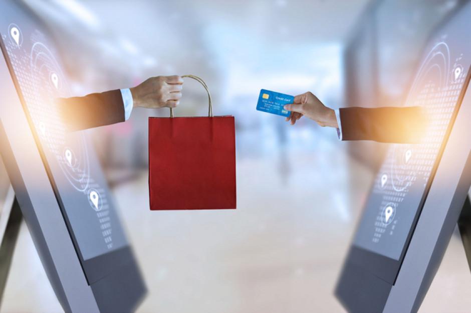 W Polsce rośnie liczba kart płatniczych, jest ich 42,1 mln