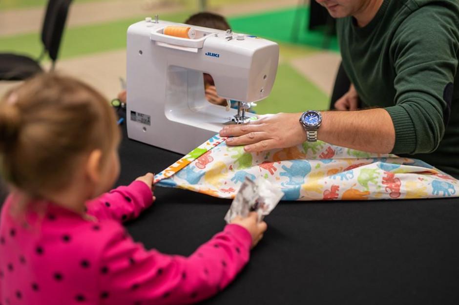 Katowice: Silesia City Center charytatywnie szyje dla małych pacjentów Górnośląskiego Centrum Zdrowia Dziecka