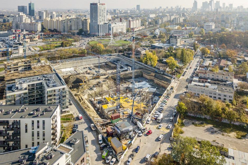 Warszawa: Tak wygląda biurowiec Forest dwa lata przed zakończeniem prac