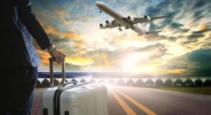 Ruch na lotniskach spadł o połowę