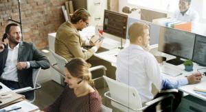 Co czwarta firma chce w ciągu roku odbudować zespoły pracowników