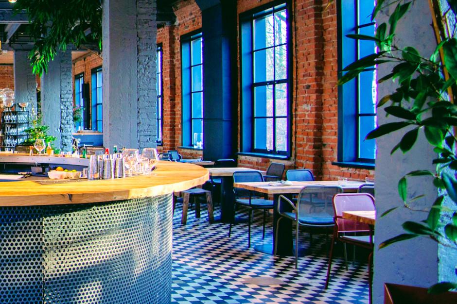 Tu kuchnia łączy się z designem, a biznes ze sztuką. Nowe miejsce na gastronomicznej mapie Warszawy