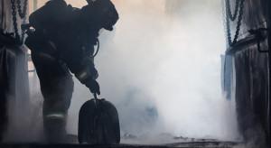 Spłonęła hala ze sprzętem rolniczym; straty na 20 mln zł